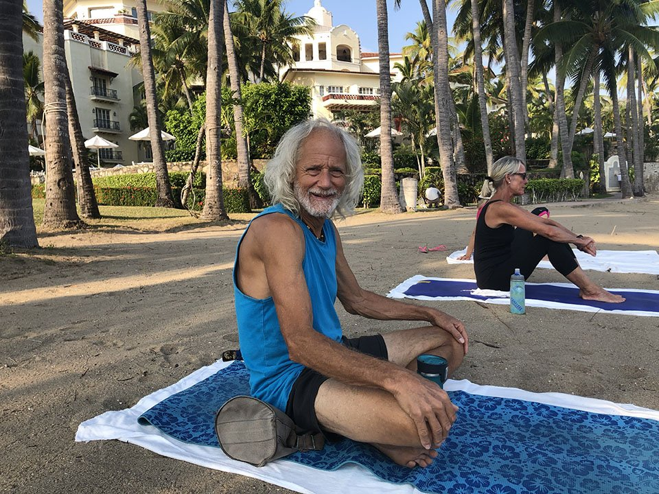 Captain Kirk at beach yoga, Barra de Navidad