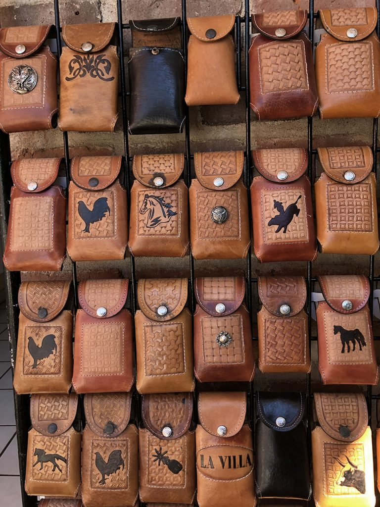 leather-cell-phone-holders, Villa Purificación